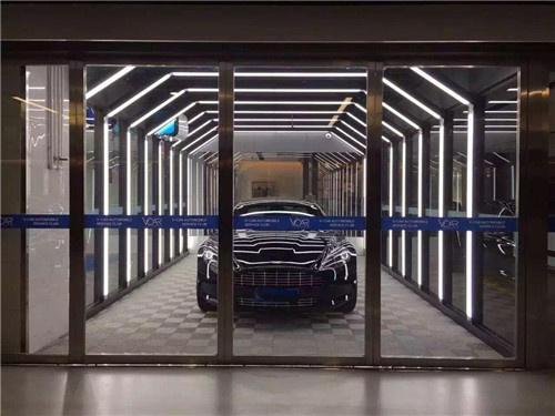 中大国际九号设计地下车库时正是考虑到诸多需要,从灯光舒适度,空气