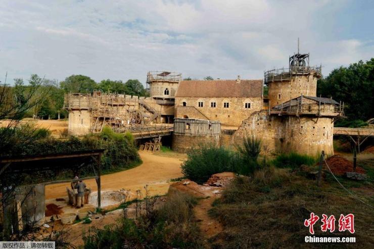 法国人26年造中世纪城堡 采用800年前工艺 - 子泳 - 子泳WZ的博客