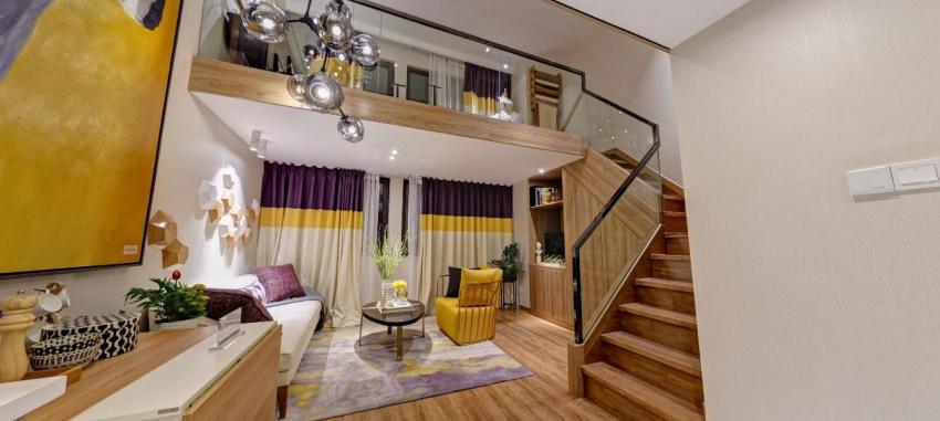 玄关柜,厨房吊柜,楼梯下方及卫生间台盆下隔出储藏空间,最大化扩容