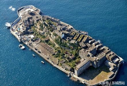 """日本出了个荒废40年的""""鬼岛""""!遍地高楼无人住"""