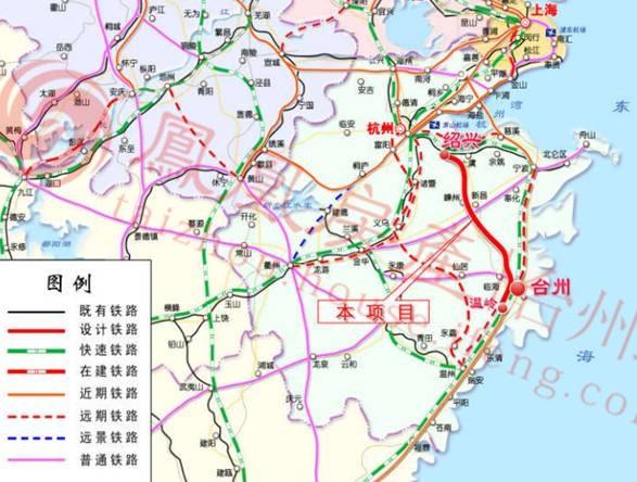 天台站位于天台县 g104 西侧龙山一村附近, 距离县城约2 km,为地面图片