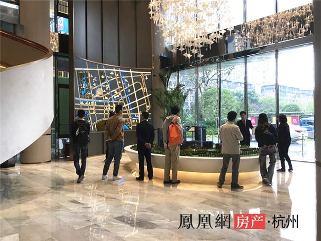 热文:杭州楼市风向标触顶?11年房价上涨6倍的申花也撑不住了?