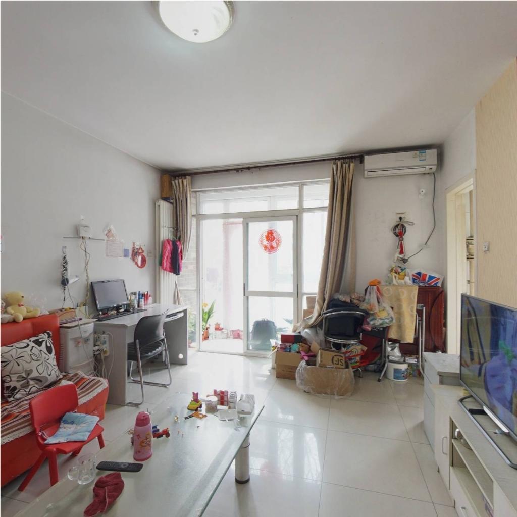 润龙家园正规一居室 带花园 满五年家庭名下一套 看房随时
